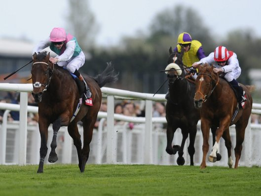 Kingman romps home again